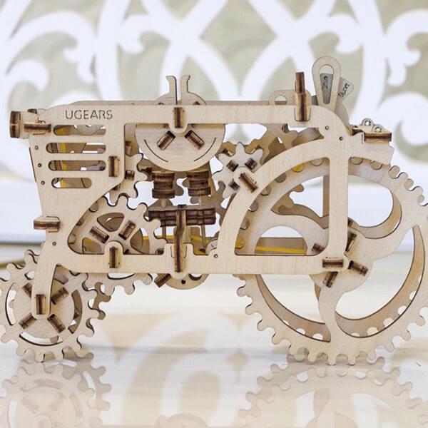 Tracteur, Tractor, ugears, puzzle 3d, maquette, bois, loisirs créatifs, écologique 6
