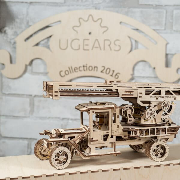 Ugears Fire Truck Rescue Ladder 01
