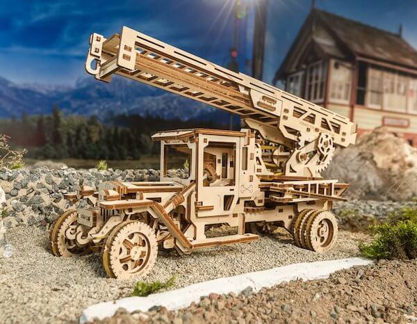 Modèle Camion Echelle UGEARS