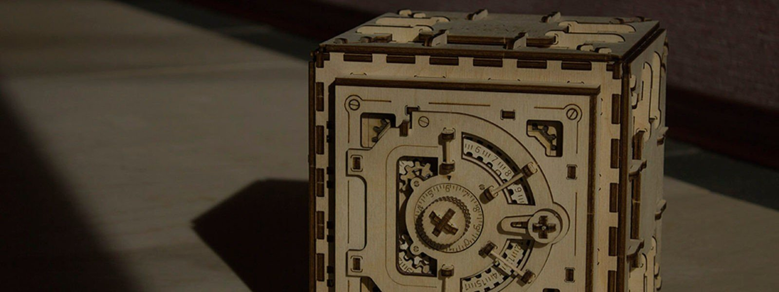 UGEARS_Coffre-fort