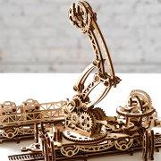 Manipulateur Ferroviaire – Puzzle 3d Mécanique en bois – Ugears France (1)