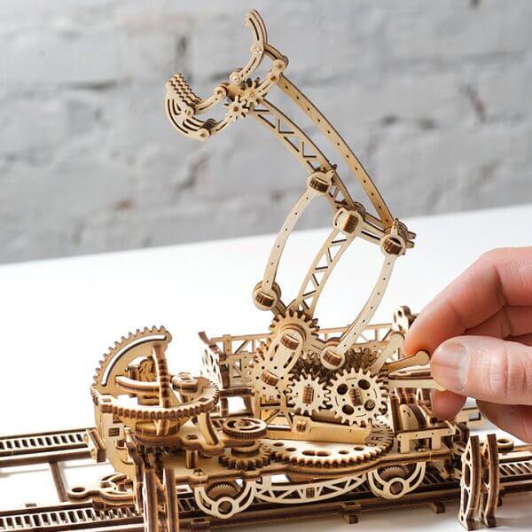 Manipulateur Ferroviaire – Puzzle 3d Mécanique en bois – Ugears France (19)