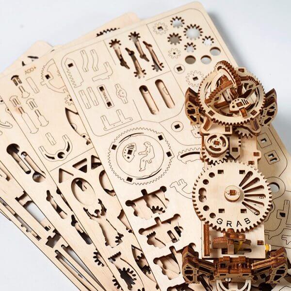 Manipulateur Ferroviaire – Puzzle 3d Mécanique en bois – Ugears France (45)