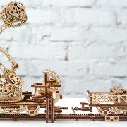 Manipulateur Ferroviaire – Puzzle 3d Mécanique en bois – Ugears France (9)