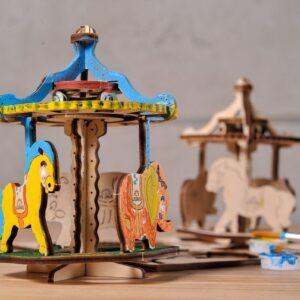 Manège-–-Puzzle-3d-Mécanique-en-bois-à-peindre-–-Ugears-France-1