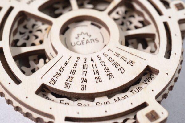 Méca-Calendrier – Puzzle 3d Mécanique en bois – Ugears France + 1