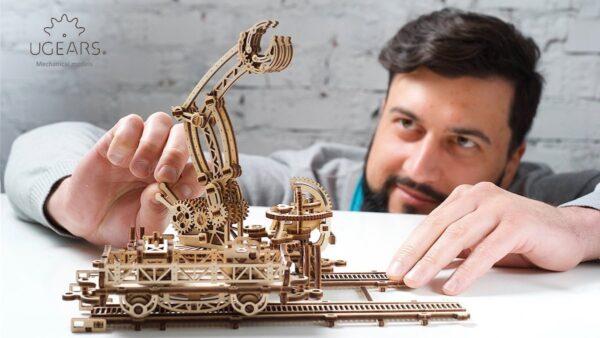 Manipulateur Ferroviaire – Puzzle 3d Mécanique en bois – Ugears France + 4