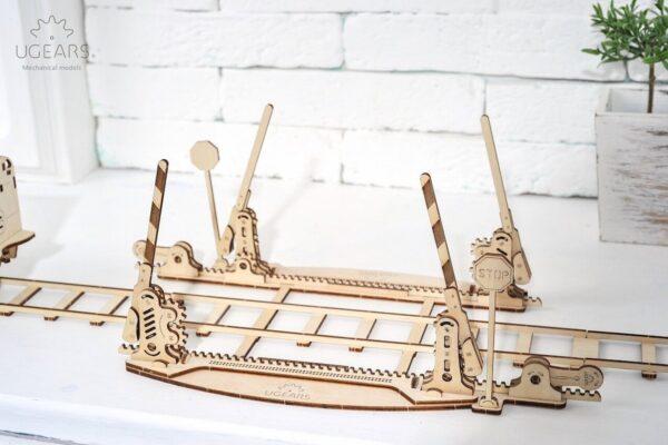 Rails + Passage à niveau – Puzzle 3d Mécanique en bois – Ugears France + 5