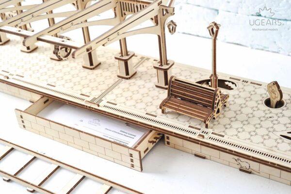 Perron de gare – Puzzle 3d Mécanique en bois – Ugears France + 5