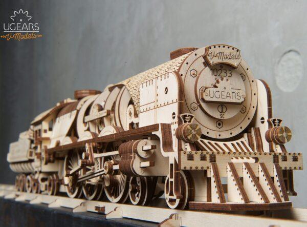 Locomotive V-Express Ugears – Puzzle 3d en bois + 7