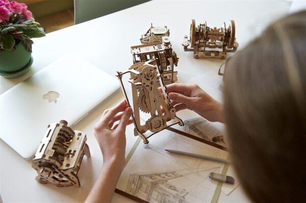 Métronome STEM Ugears – Puzzle 3d en bois