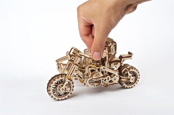 Moto Scrambler UGR-10 avec Side-Car Ugears – Puzzle 3d en bois + 11