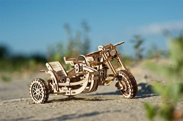 Moto Scrambler UGR-10 avec Side-Car Ugears – Puzzle 3d en bois + 3