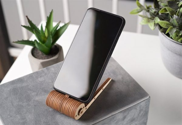 Support Téléphone Pliable Ugears – Puzzle 3d en bois + 3