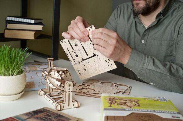 Générateur Aléatoire STEM Ugears – Puzzle 3d en bois + 4