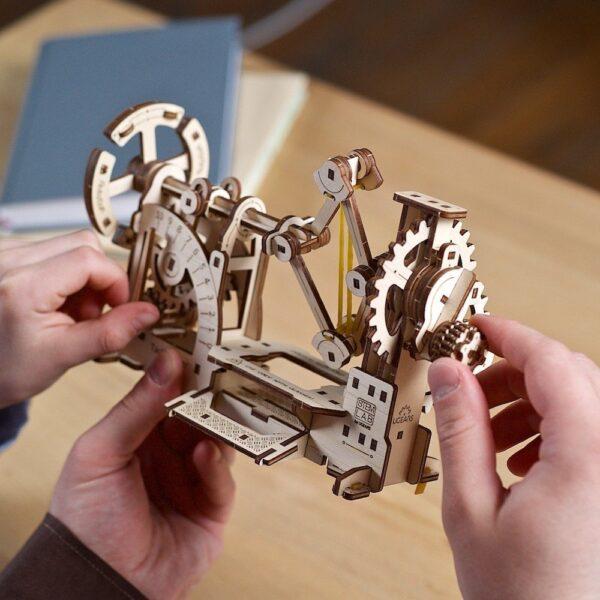 Tachymètre STEM Ugears – Puzzle 3d en bois + 5