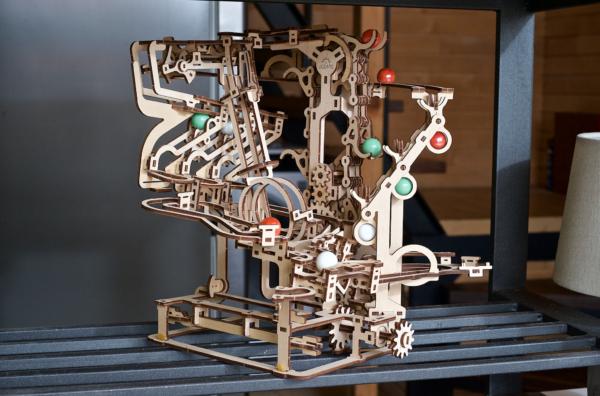Parcours à Billes avec Élévateur Ugears – Puzzle 3d en bois + 1