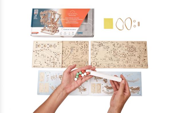 Parcours à Billes avec Élévateur Ugears – Puzzle 3d en bois + 7